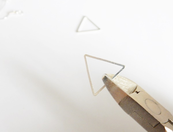DIY : boucles d'oreilles triangles