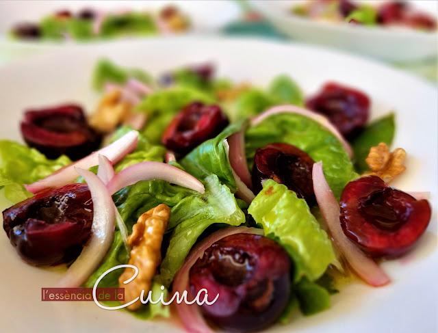 Amanida cireres, amanides d'estiu, cuina facil, amanida ràpida, l'essència de la cuina, blog de cuina de la Sònia