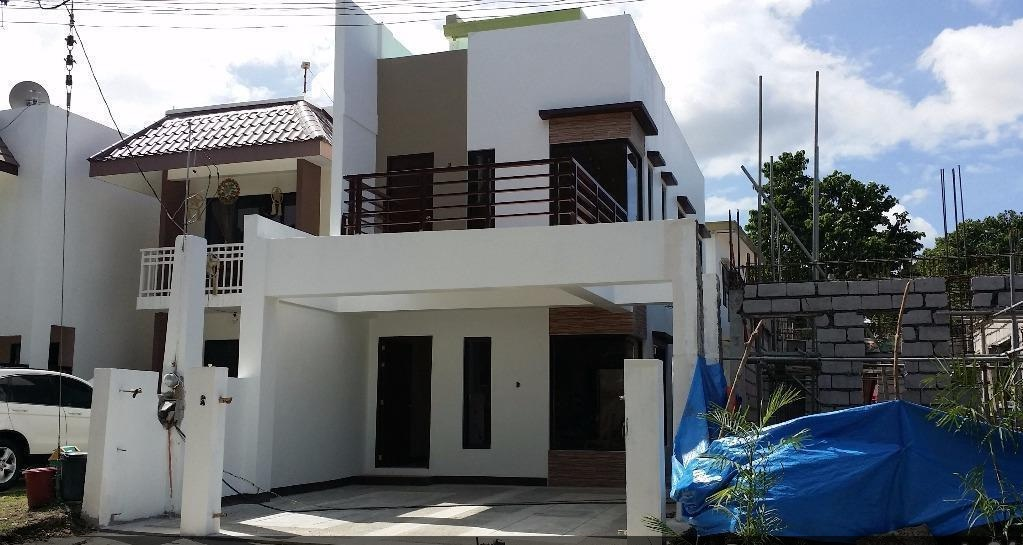 one durban 3 bedroom house with balcony roofdeck at villa toledo sta rosa laguna infront of