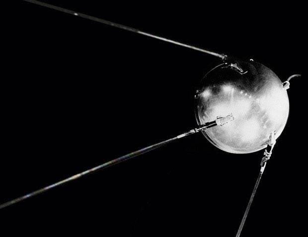 Mod Retro Living: History of Sputnik and Space Age Lighting