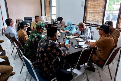 Bati Tuud Koramil 25/Syiah Kuala Hadiri Rapat Koordinasi Bersama Muspika