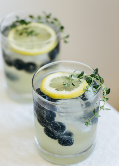 LIMONCELLO PROSECCO WITH BLUEBERRIES AND THYME