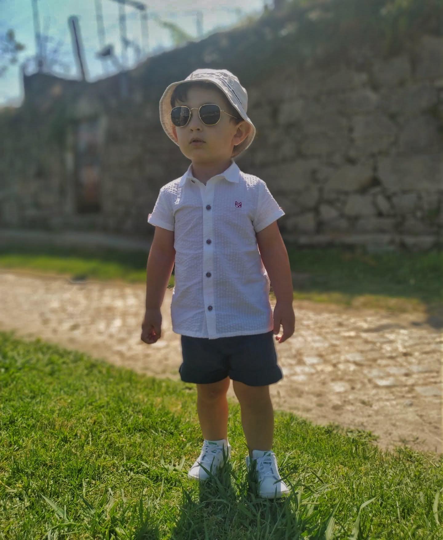As crianças devem usar óculos de Sol?