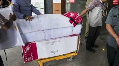 Mengaku Diancam, Anggota Komisi II Bantah BAP Sambil Menangis di Sidang e-KTP