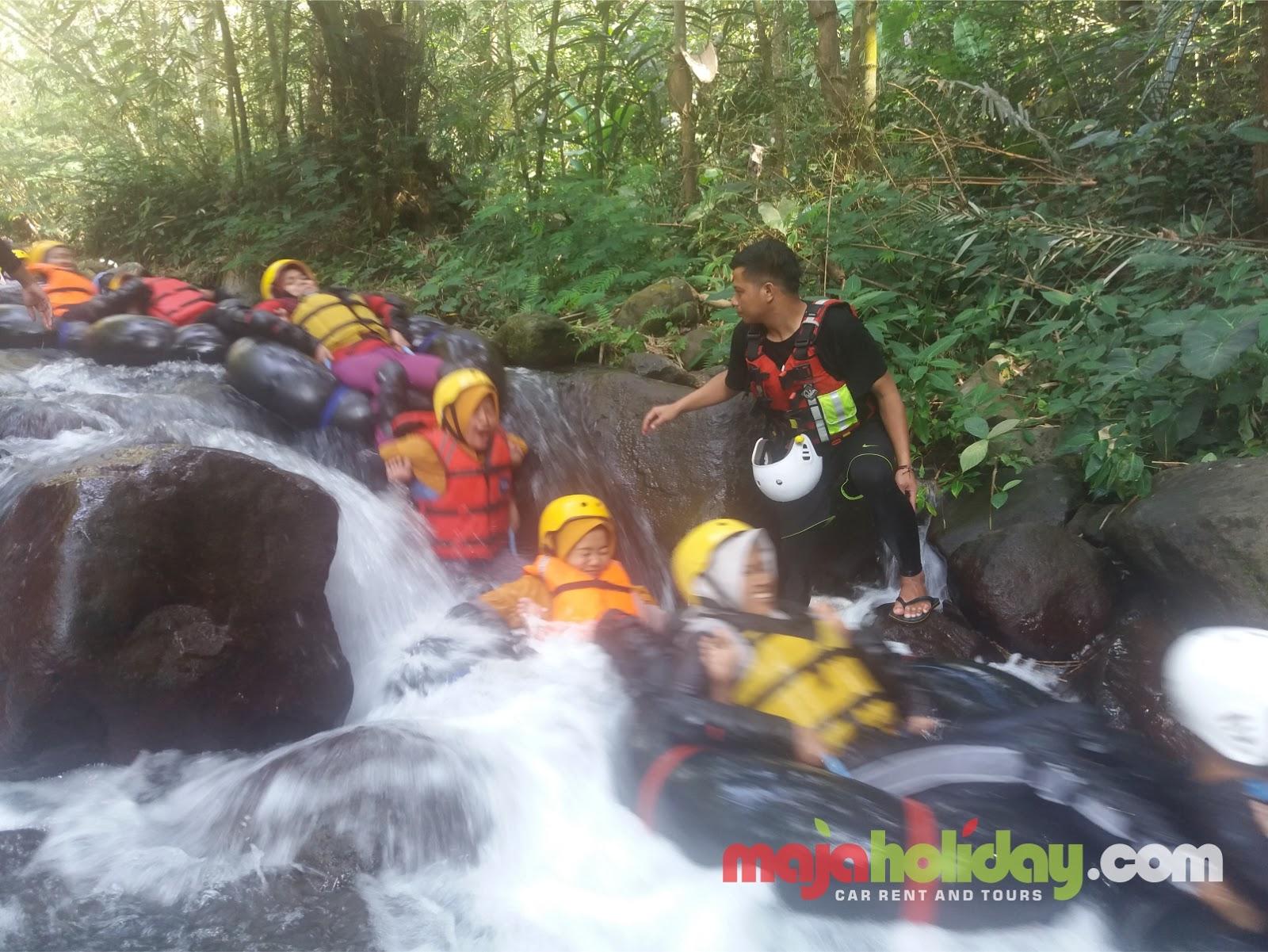 gambar cikadongdong river tubing kabupaten majalengka, jawa barat
