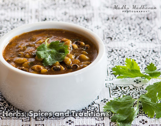 BLACK-EYED BEANS CURRY