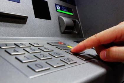 Tarik Uang Tunai Rp 1 Juta di ATM, Keluarnya Rp 4 Juta! Gimana Nggak Heboh? Apalagi Buat yang Lagi Bokek