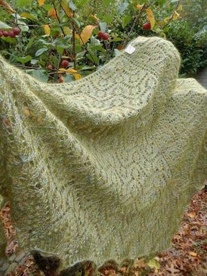 groene wollen shawls.