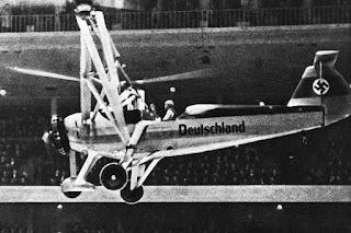 La piloto Hanna Reitsch volando en un helicóptero Focke-Achgelis Fa 61