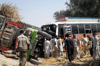 12-killed-in-pakistan-bus-truck-collision