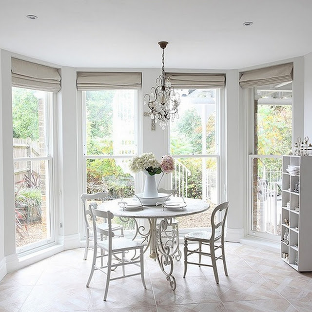 White dining room -  interior design, home decor, dining room {Cool Chic Style Fashion}