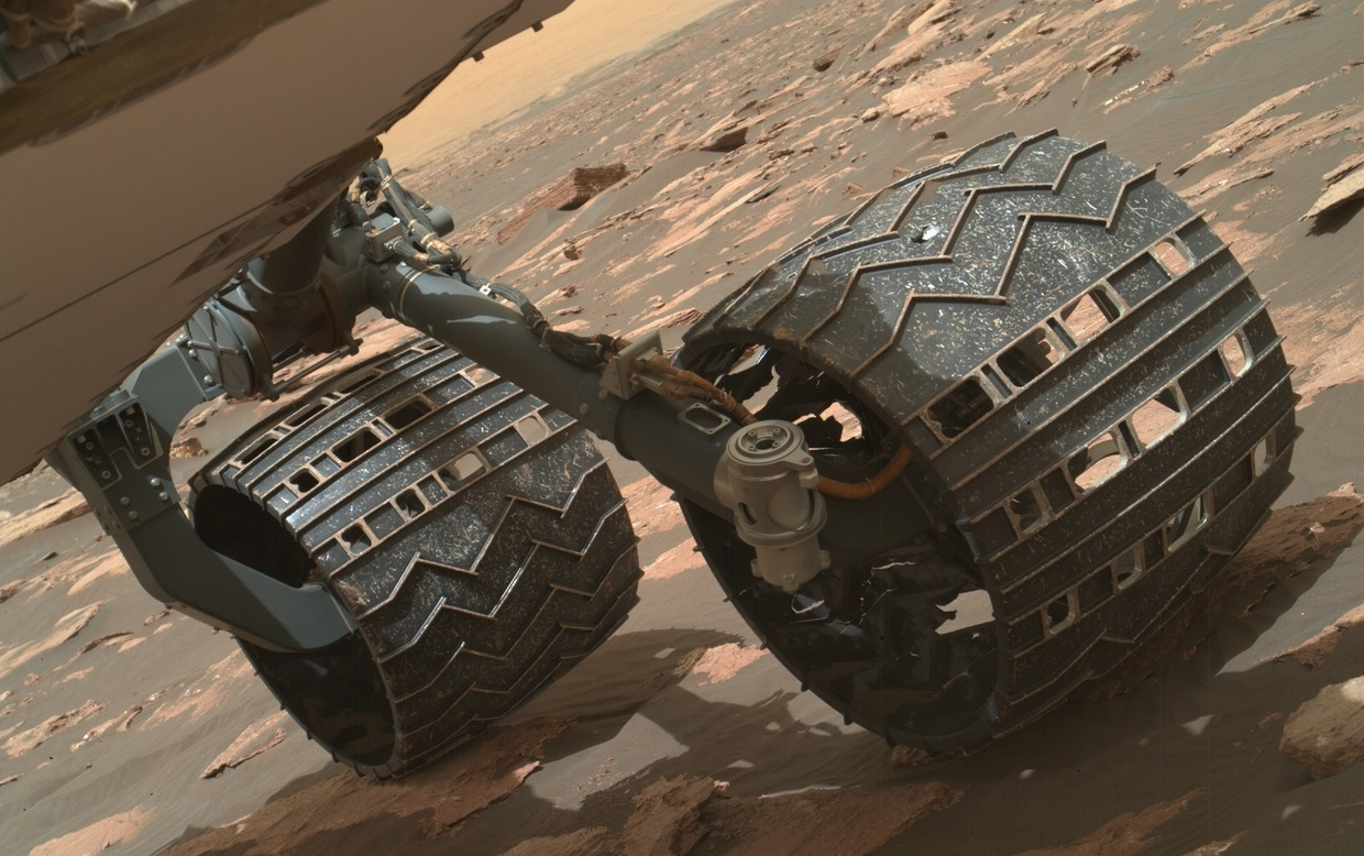Curiosity's Wheels And Wearing Dilemma