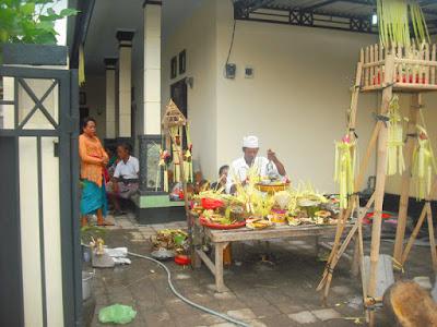 Melaspas Rumah Kost di Dalung Bali