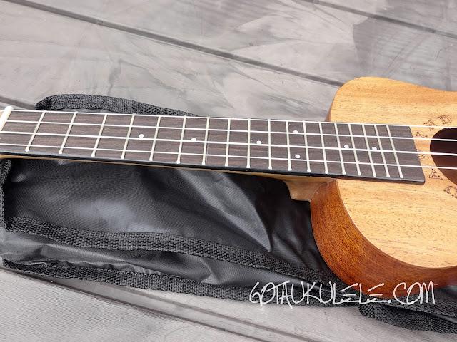 Huawind Concert Ukulele fingerboard