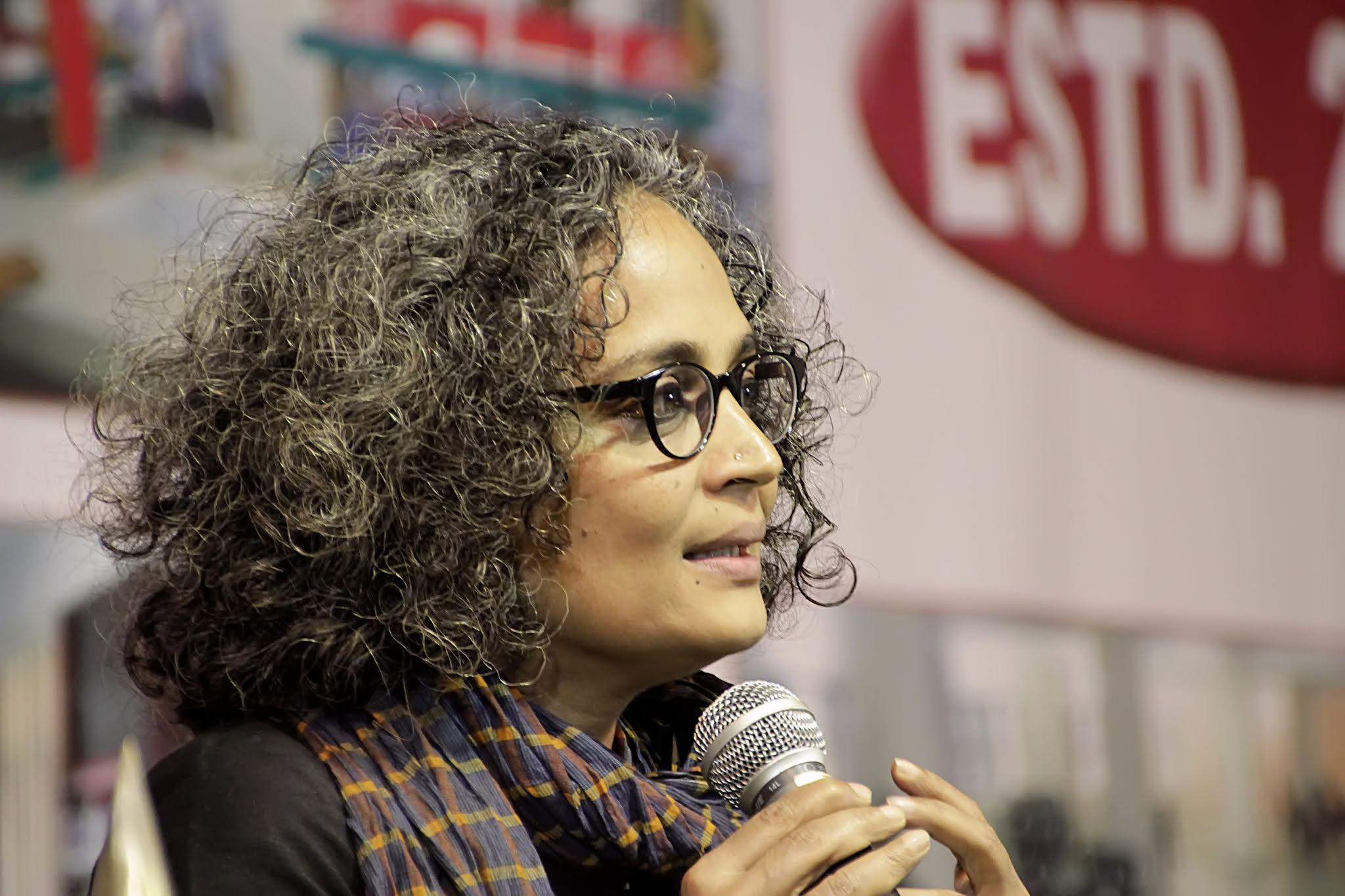 Arundhati roy biography in hindi