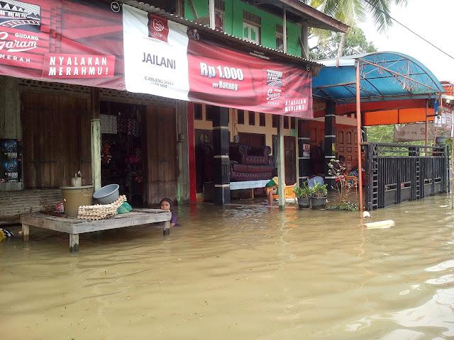 Banjir Semakin Parah, Warga Krueng Sabee Butuh Makanan