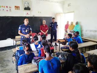 পূর্বধলায় স্কুলগুলোতে শিক্ষার্থীদের গলাকাটা গুজবে আতঙ্কিত না হওয়ার পরামর্শ