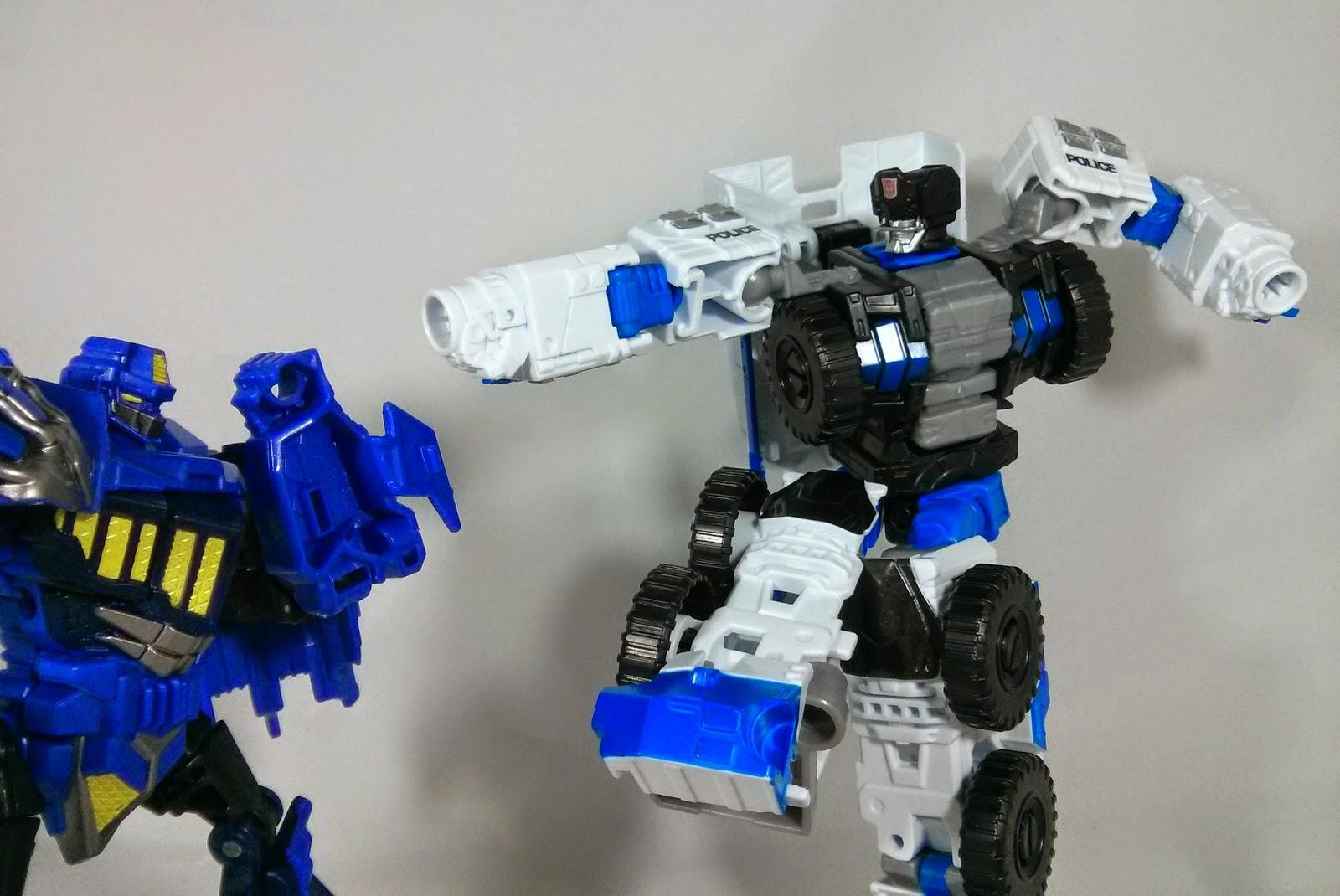 transformers combiner wars rook superman punch
