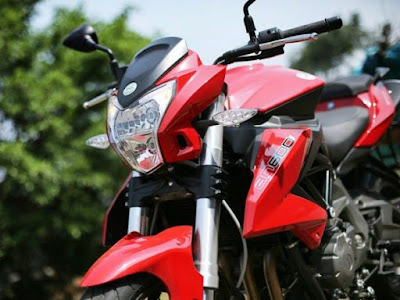 Benelli TNT 600i ABS side view headlight image