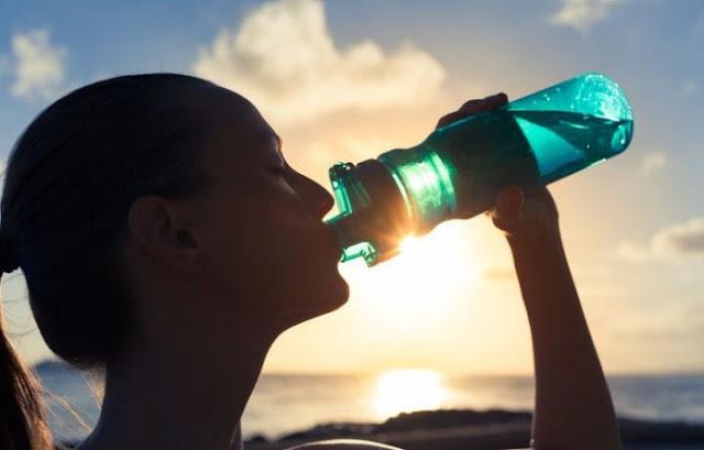 Penjelasan Kebiasan Minum Air Es Setelah Olahraga