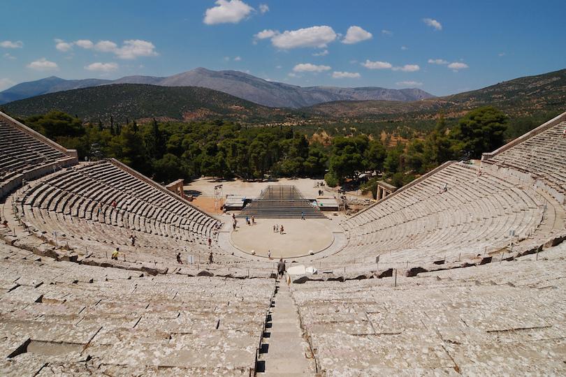 مسارح يونانية ورومانية قديمة حول العالم
