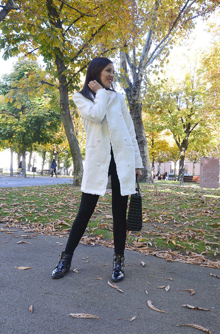 black_look_white_coat_fashion_trends_gallery_look