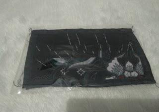 masker kain 2 lapis batik hitam