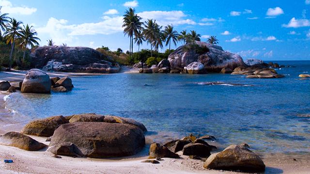 Pantai_Parai_Tenggiri