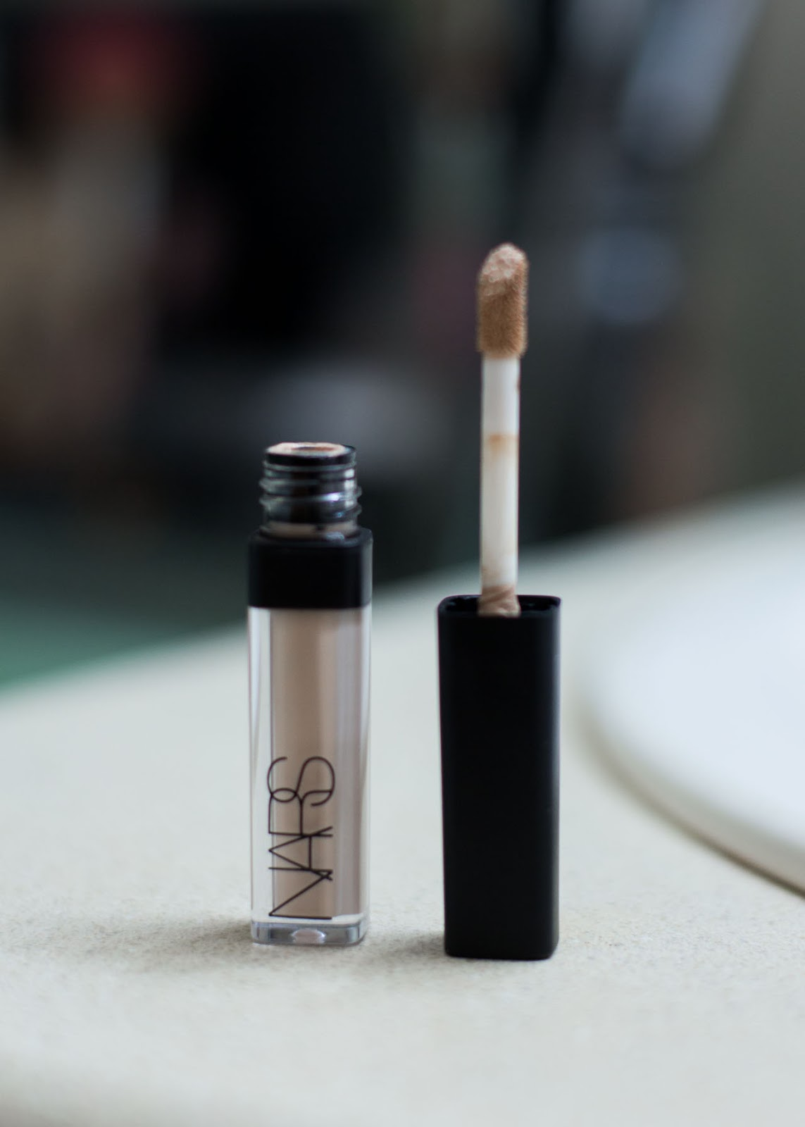 Fall Winter make-up routine - Favorite beauty products - Nars creamy radiant concealer