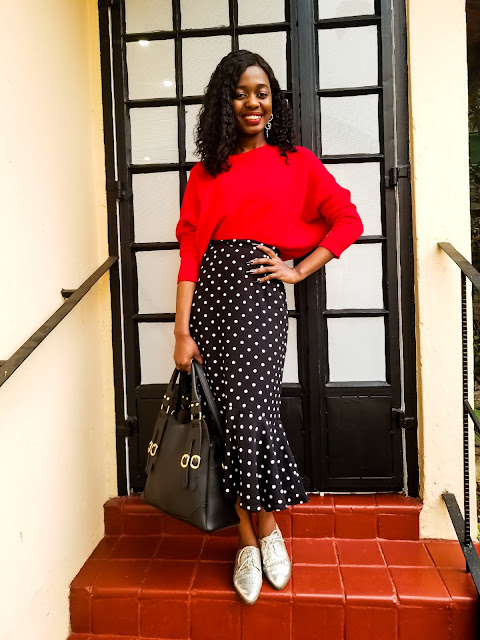 How To Wear A Polka Dot Midi Skirt Outfit