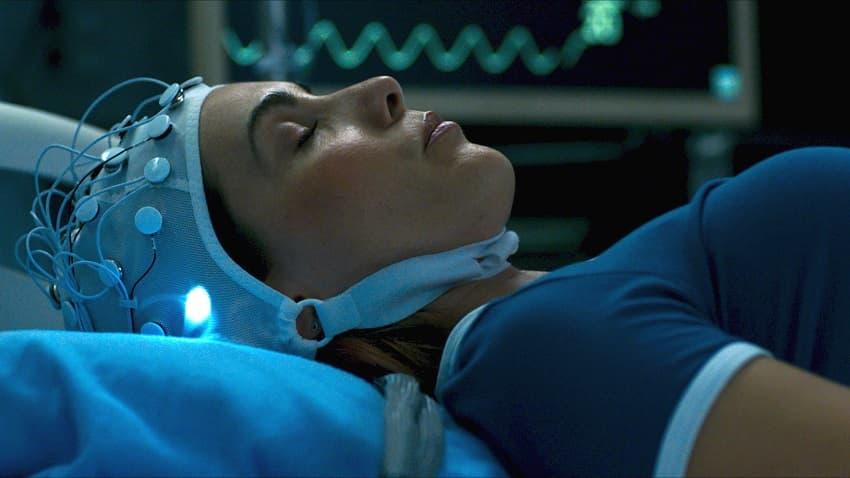 IFC Films показала полный трейлер «Демоник» - фильма ужасов Нила Бломкампа