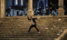 Warga Palestina dan Polisi Israel Bentrok di Masjid Al-Aqsa