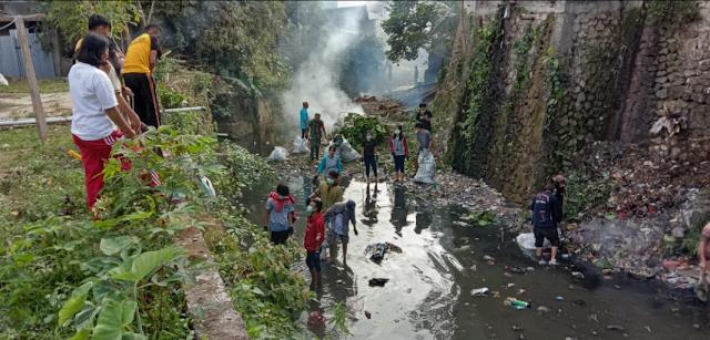 Camat Makale Geram Lihat Sampah Menumpuk di Sungai, Ulah Siapa..??
