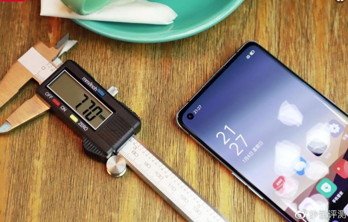 Oppo Reno 3 and 3 Pro 5G are very different from each other