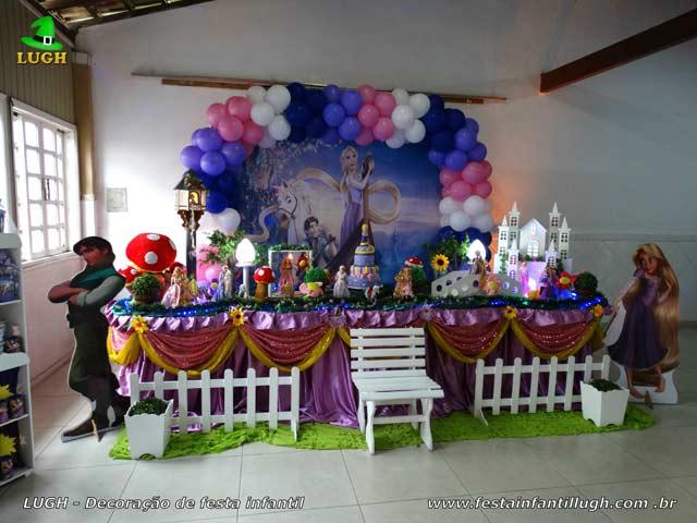 Mesa luxo de tecido - Decoração mesa de aniversário Os Enrolados Rapunzel para festa infantil feminina