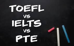 IELTS vs TOEFL vs PTE: ما هو اختبار اللغة الإنجليزية الذي يجب أن تجربه؟