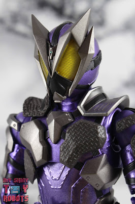S.H. Figuarts Kamen Rider Horobi Sting Scorpion 01