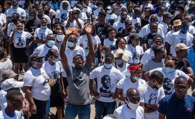 Haití: Miles marchan  en las calles, piden Justicia por el Asesinato de Jovenel Moïse