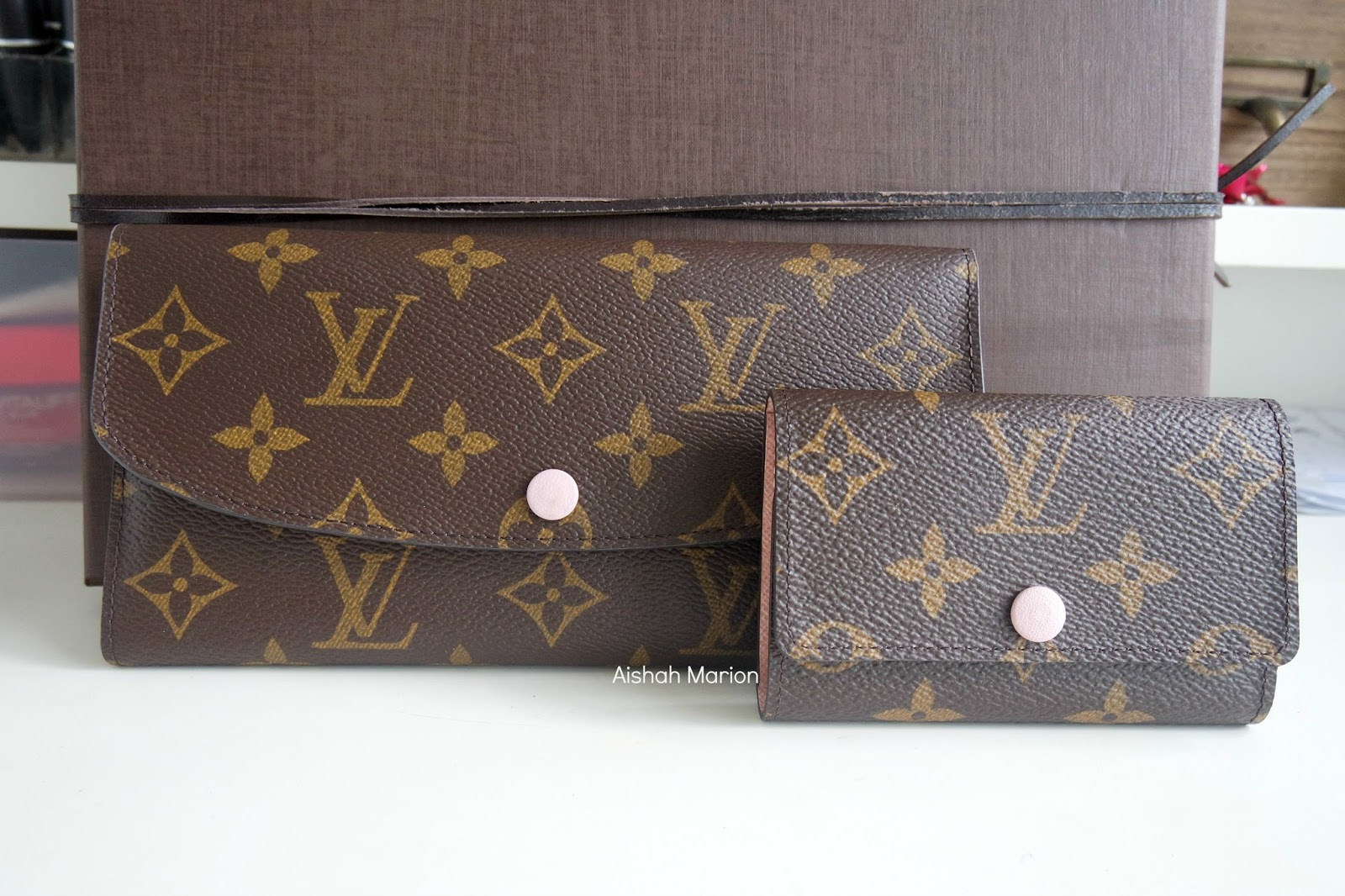 1d532a245991 Review   Louis Vuitton Emilie Wallet   6 Key Holder in Rose Ballerine