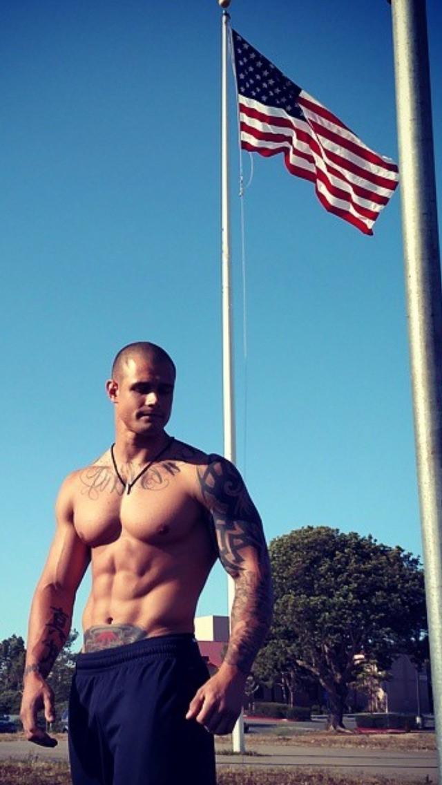 straight-shirtless-bros-fit-muscle-american-frat-alpha-patriot-hot-bad-boys