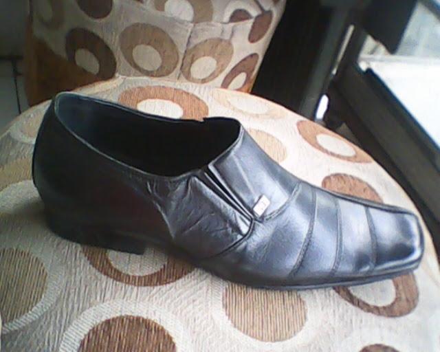 sepatu bally yang di lihat dari sisi kanan ... e4c11149c2