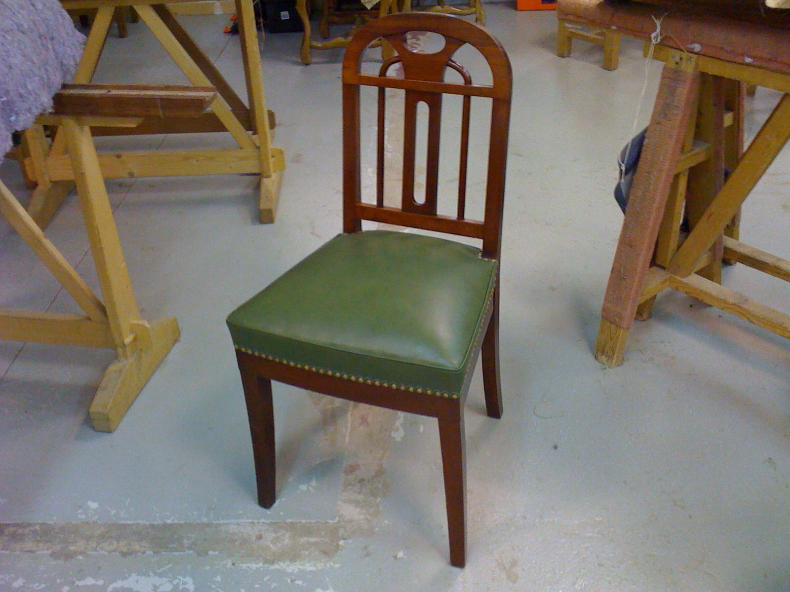 quand je serai grande je veux je veux retapisser une chaise de style empire. Black Bedroom Furniture Sets. Home Design Ideas