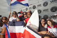 1 Carlos Munoz Vans US Open of Surfing foto WSL Steve Sherman