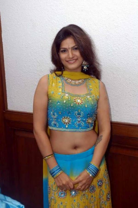 Tharika pics in ethnic dress looking sparkling and splendid
