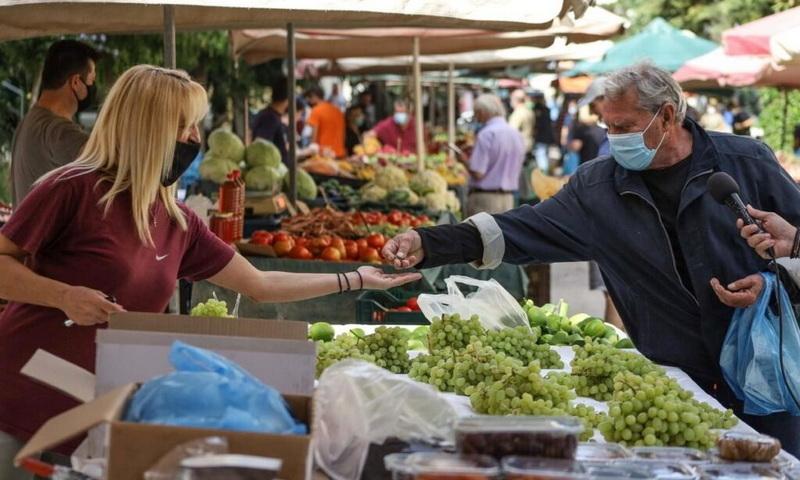 Την απόσυρση του νομοσχεδίου για τις λαϊκές αγορές ζητά η Λαϊκή Συσπείρωση