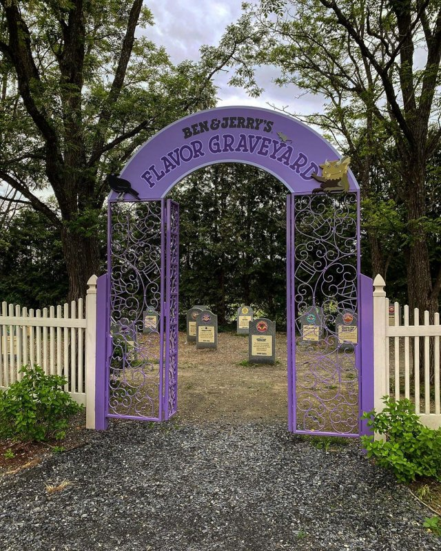 Vermont (Waterbury) - a graveyard where old-fashioned ice cream flavors are collected
