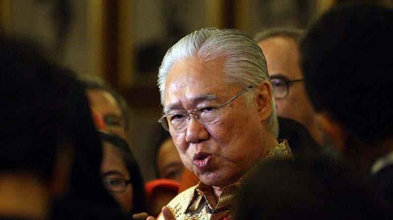 KPK Telah Dilemahkan di Kasus Enggartiasto Lukita
