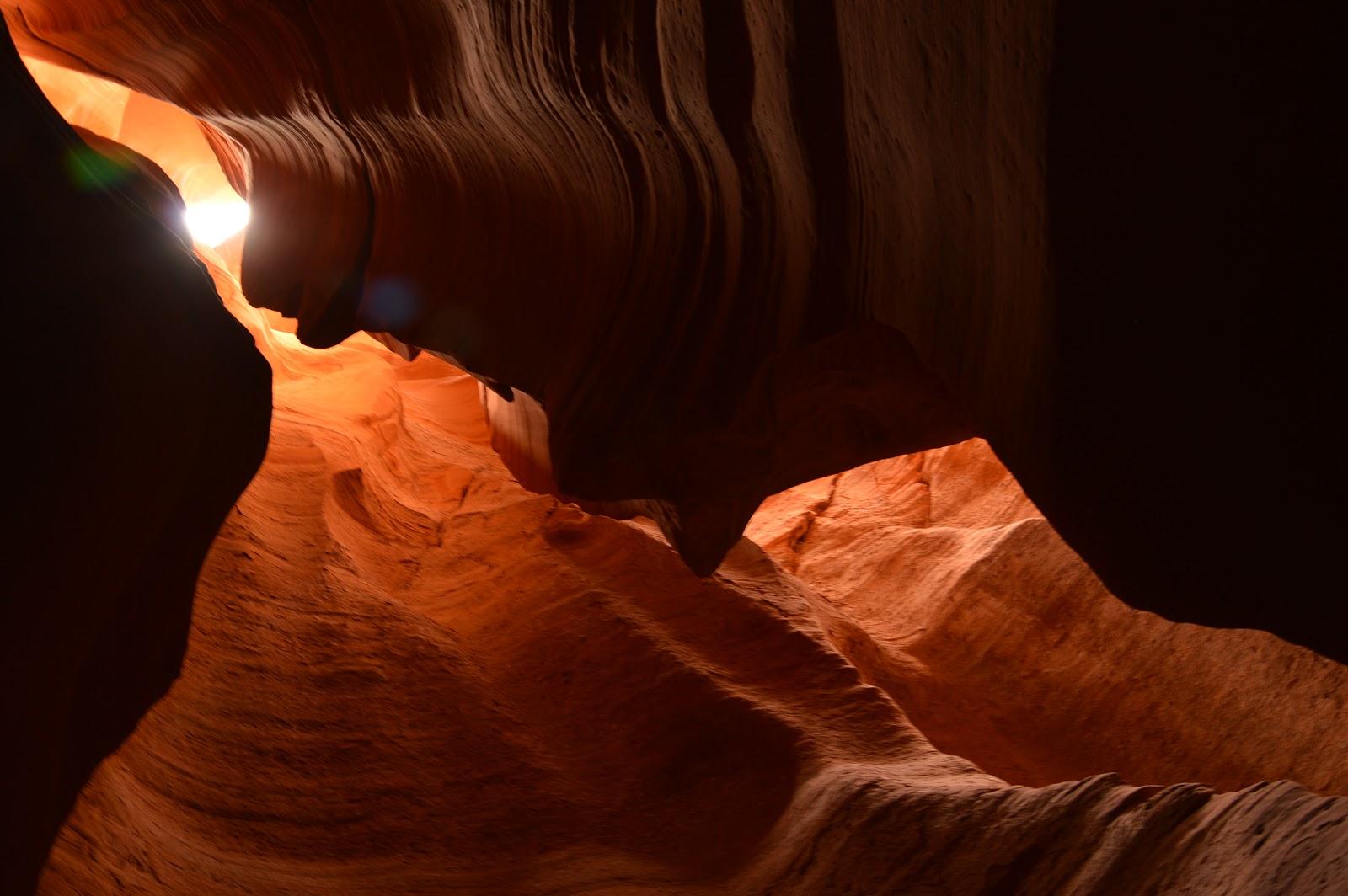 Kanion szczelinowy kameralnie - Antelope Canyon X