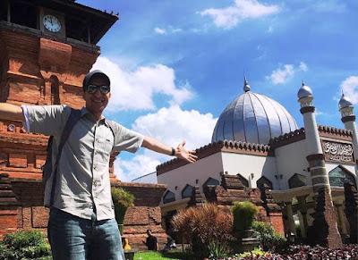 Arsitektur Masjid Kudus Yang Begitu Indah