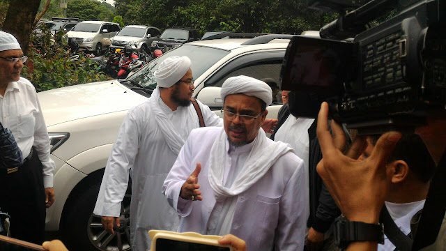 Ditolak Penasihat Hukum Terdakwa, Habib Rizieq Tetap Jadi Saksi Ahli dalam Sidang ke-12 Ahok